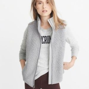 NWT Abercrombie Sherpa Vest in Gray, XS